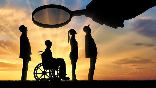 Un projet de loi pourrait permettre les assurances sociales de surveiller leurs assurés. [Prazis Images - Fotolia]