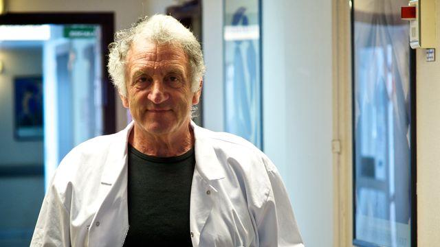 Le docteur René Frydman, gynécologue-obstétricien, à qui l'on doit le premier bébé-éprouvette en France. [L.Souci - AFP]