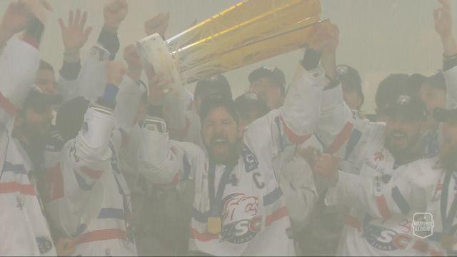Acte VII, finale, Lugano - Zurich (0-2): les Lions reçoivent leur trophée de champion! [RTS]