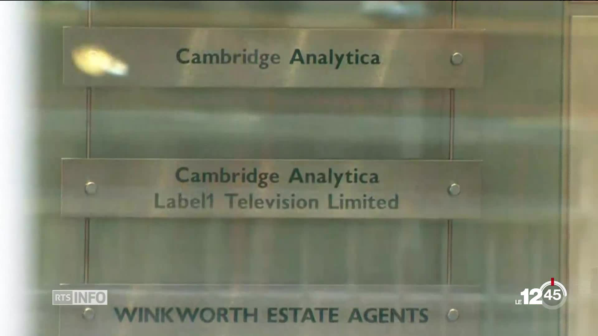 Cambridge Analytica met la clé sous la porte