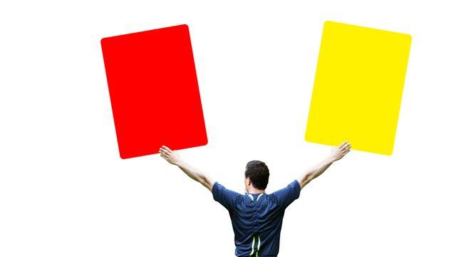 Arbitre, carton jaune, carton rouge [© Thaut Images - Fotolia]