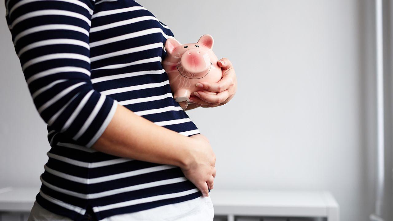 Comment se fait-il qu'il y ait des différences dans la prise en charge des frais liés à la maternité? [Rostislav Sedlacek - Fotolia]