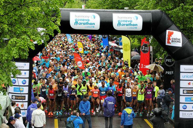 Environ 18'000 coureurs ont pris part à l'épreuve du bout du lac. [Magali Girardin - Keystone]