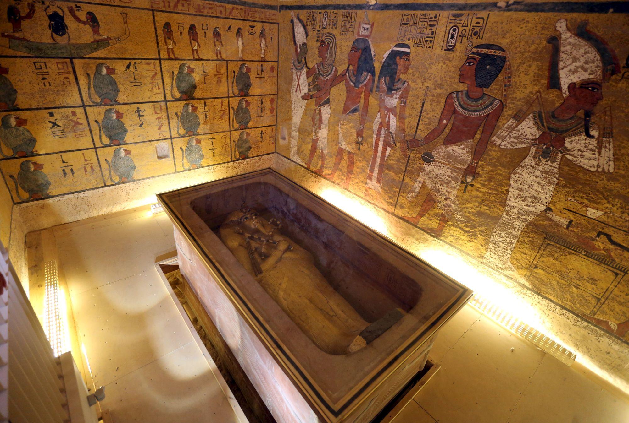 Les chambres cachées dans la tombe de Toutankhamon sont
