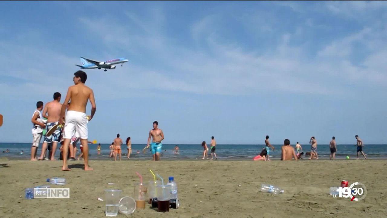 Tourisme mondial: selon une nouvelle étude, l'empreinte carbone représente 8% des émissions de gaz à effet de serre [RTS]