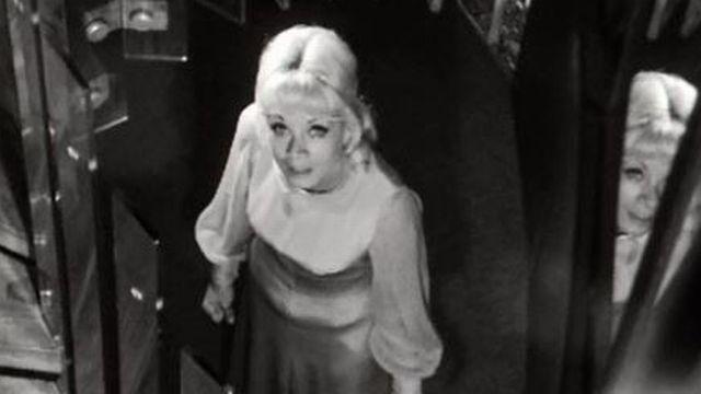 En 1963, elle remporte l'Eurovision avec: Un premier amour. [RTS]