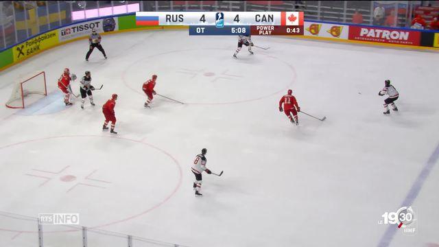 """Hockey sur glace: en taille """"patron"""", la Suisse se paie la Finlande et file en demies [RTS]"""