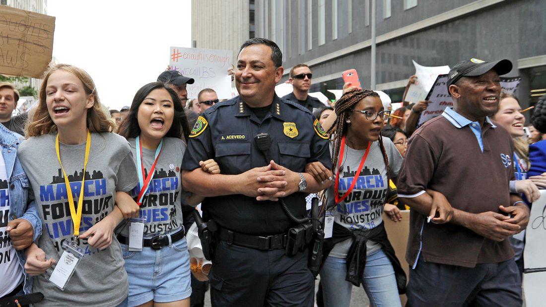 La colère du chef de la police de Houston après la fusillade de ...