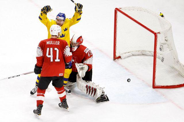 Les Suédois auront eu de la peine mais ont finalement vaincu les Suisses. [Salvatore Di Nolfi - Keystone]