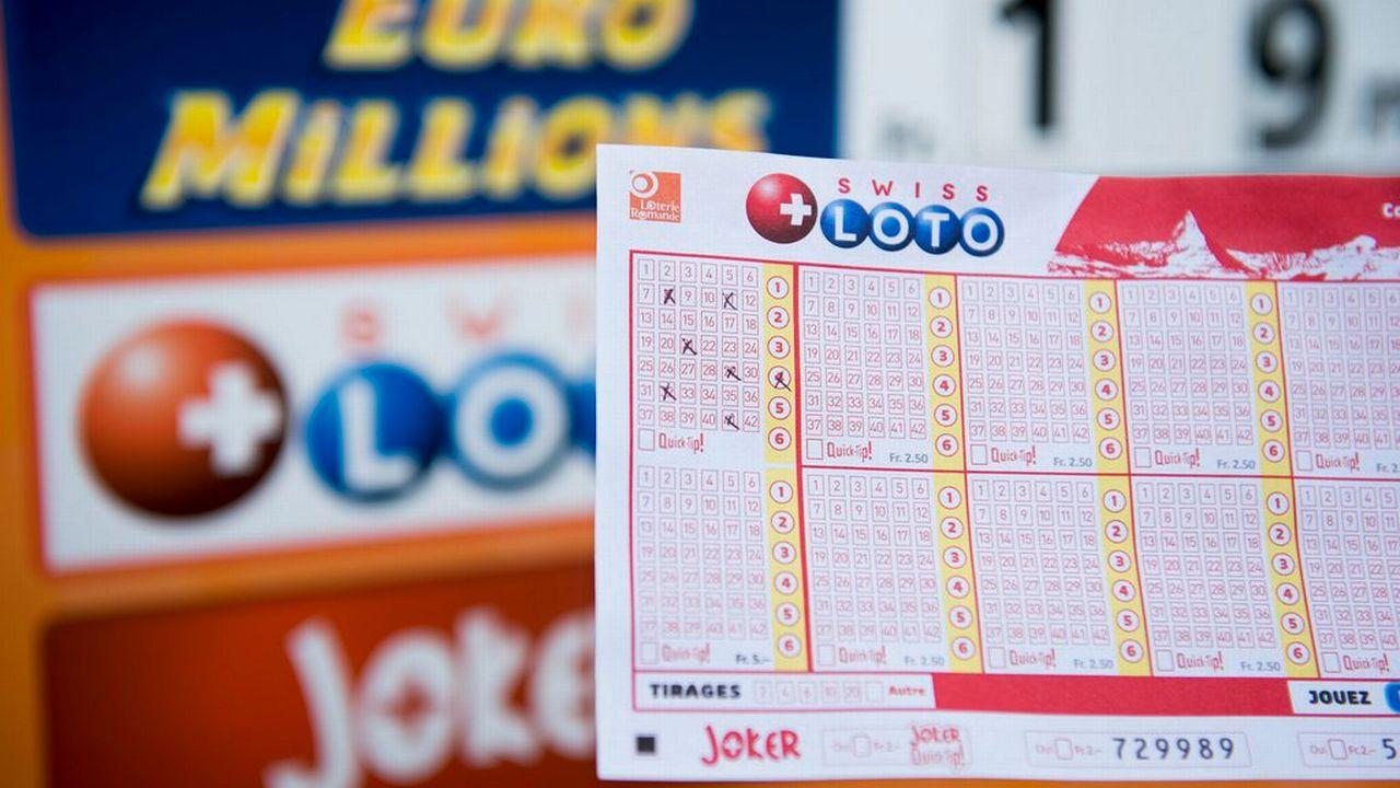 Les gains de loterie inférieurs à 1 million de francs ne seraient plus imposés. [Jean-Christophe Bott - Keystone]