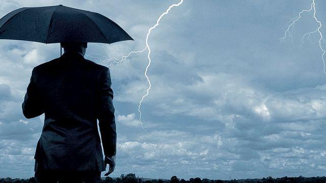 """Le livre """"Faire la pluie et le beau temps: rêve ou réalité?"""" écrit par Jean-Pierre Chalon. [DR - Belin]"""