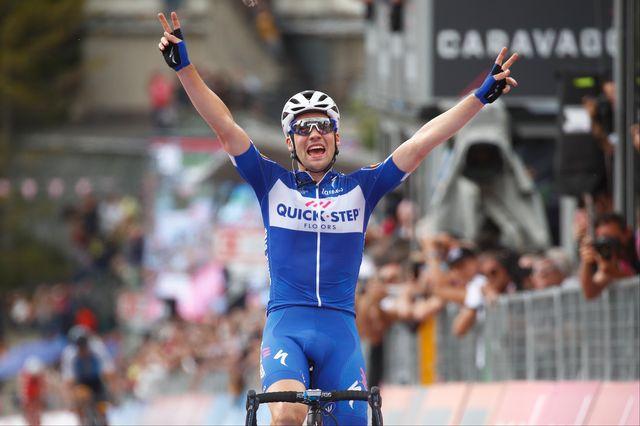 Maximilian Schachmann célèbre sa victoire sur l'étape. [Luk Benies - AFP]