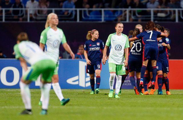 Les Lyonnais jubilent après avoir marqué. [Efrem Lukatsky - AP Photo/Keystone]