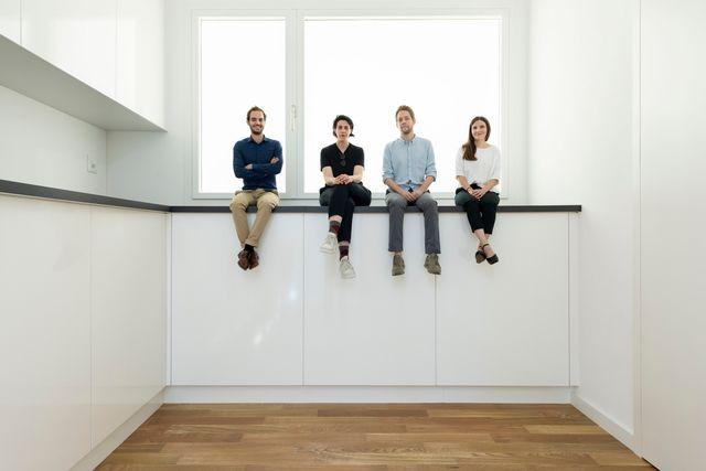 L'équipe d'architectes du pavillon suisse: Alessandro Bosshard, Li Tavor, Matthew van der Ploeg et Ani Vihervaara. [Christian Beutler - Keystone]