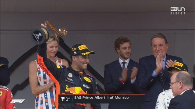 GP de Monaco (FRA): la joie de l'Australien lors de la remise du trophée [RTS]