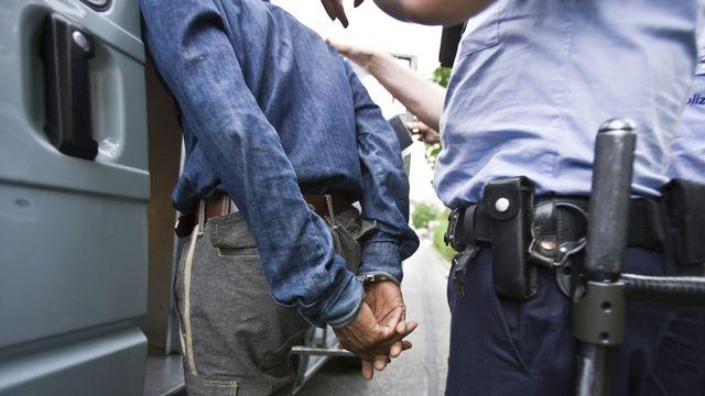 La police doit-elle publier la nationalité des criminels présumés et des victimes? [Gaëtan Bally - Keystone]