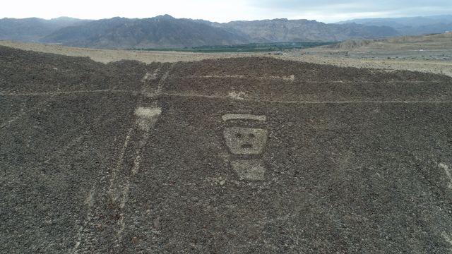 L'un des motifs géants - qui seraient antérieurs de plusieurs siècles à ceux de Nazca - dans le désert du sud péruvien. [Genry Bautista - DPA/AFP]