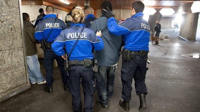 L'UDC va déposer une interpellation urgente sur le deal de rue à Lausanne. [Dominic Favre - Keystone]