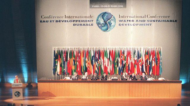 """Vue de la conférence internationale """"Eau et développement durable"""" à l'UNESCO. [Joel Saget - AFP]"""