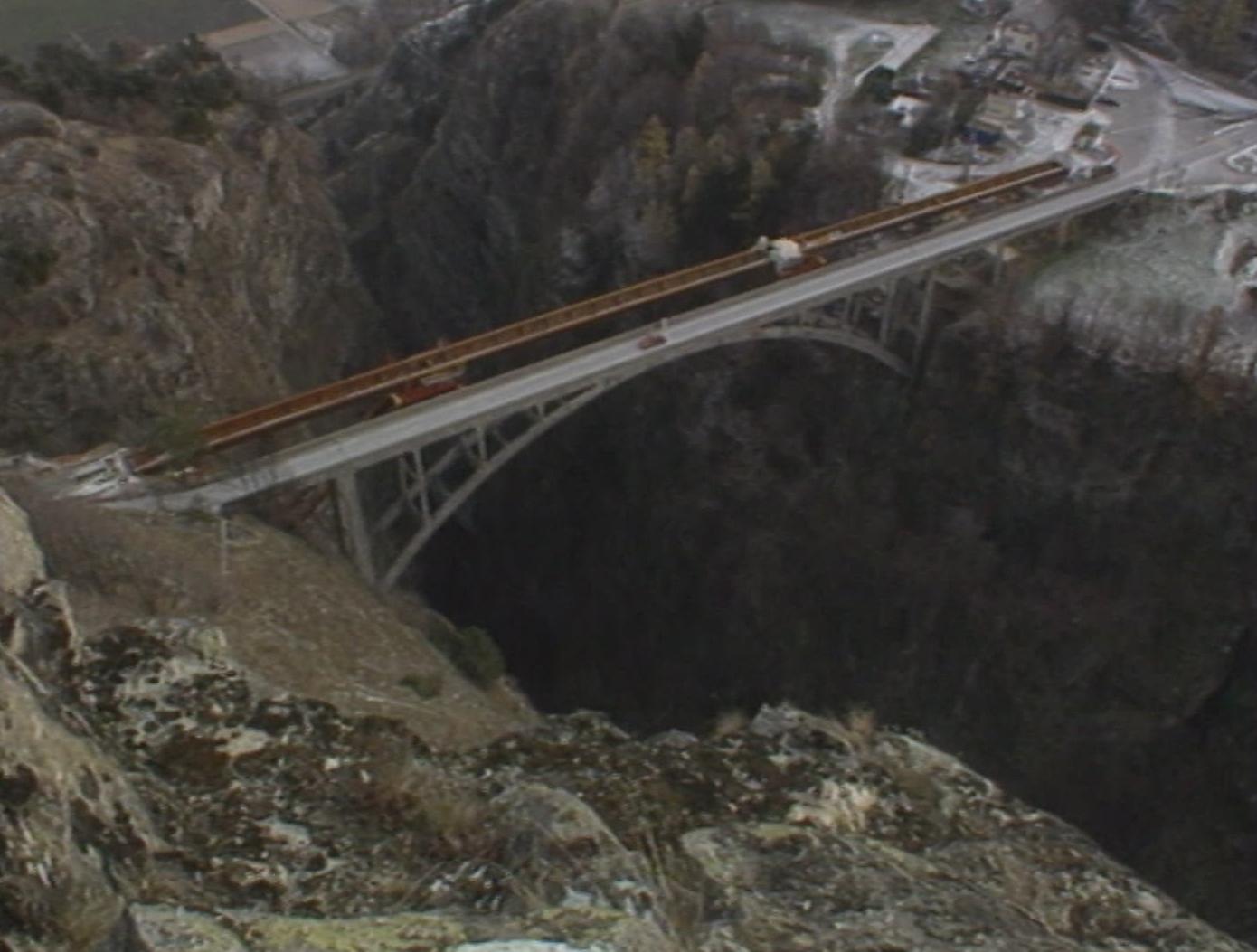 Le pont en arc de Gueuroz