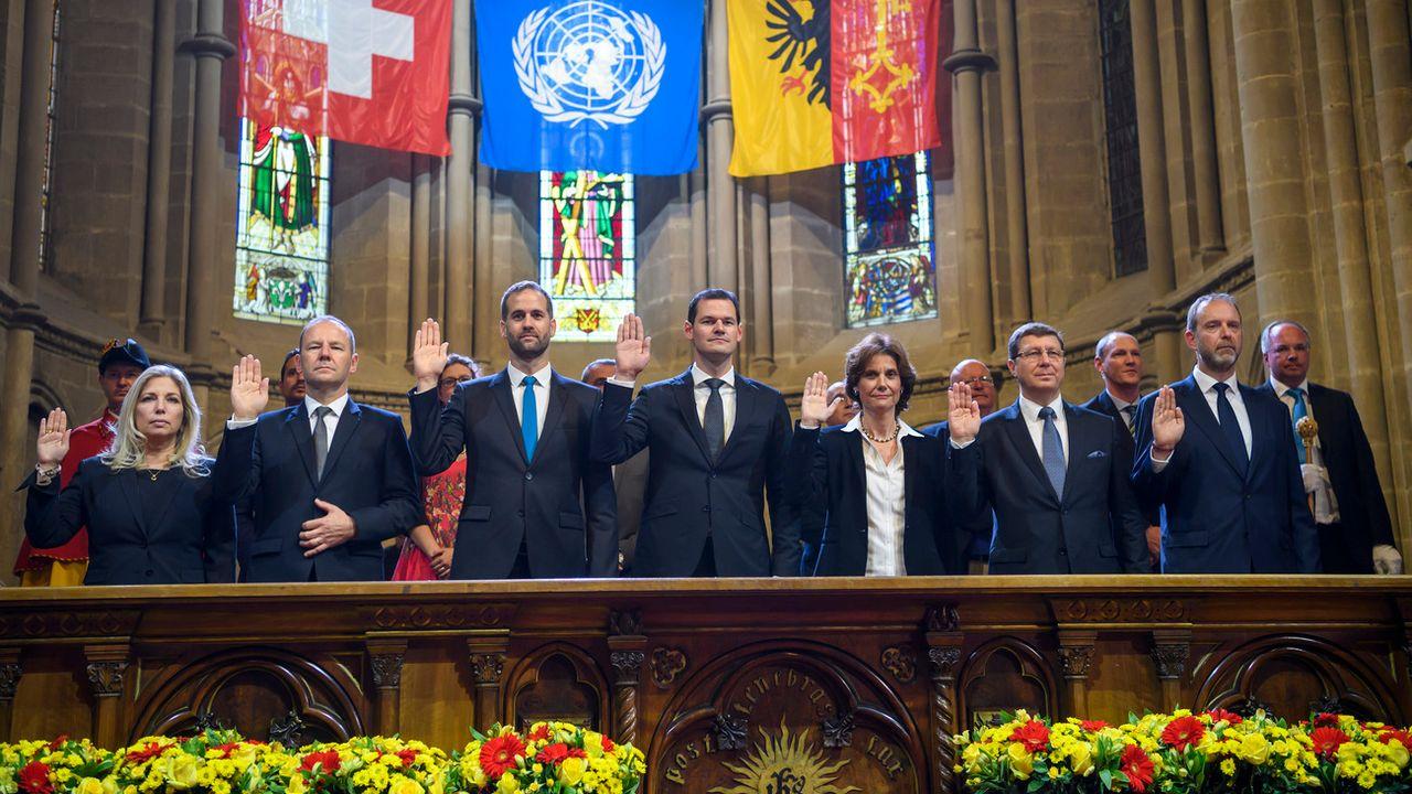 Les nouveaux conseillers d'Etat genevois prêtent serment. [Martial Trezzini - Keystone]