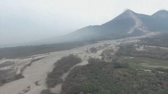 Au Guatemala, une éruption volcanique fait plus de 70 morts et 200 disparus [RTS]