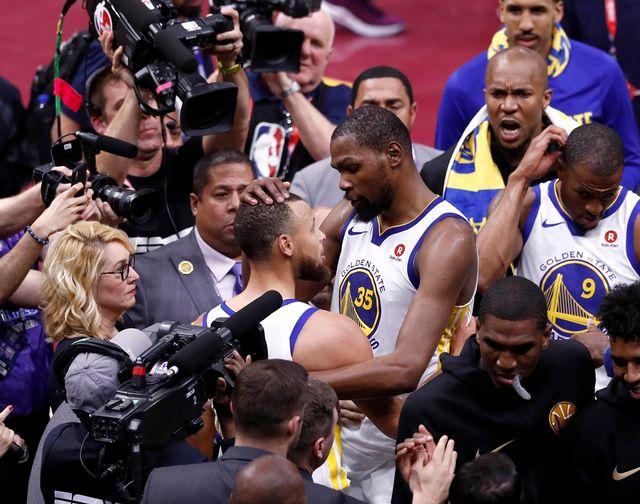 Kevin Durant (35) a réussi une performance de choix sur le parquet de Cleveland. [Larry W. Smith - Keystone]