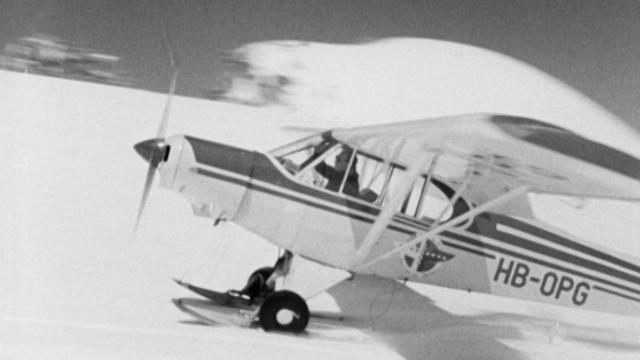 Avion du pilote des glaciers Hermann Geiger en 1958. [RTS]