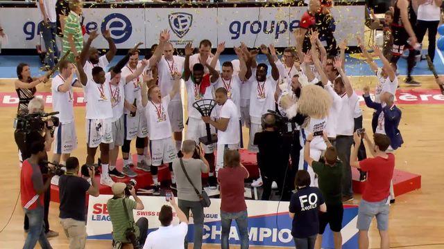 Finale, acte V: Fribourg Olympic - Geneva Lions 74-73: Fribourg Olympic reçoit son trophée de champion [RTS]