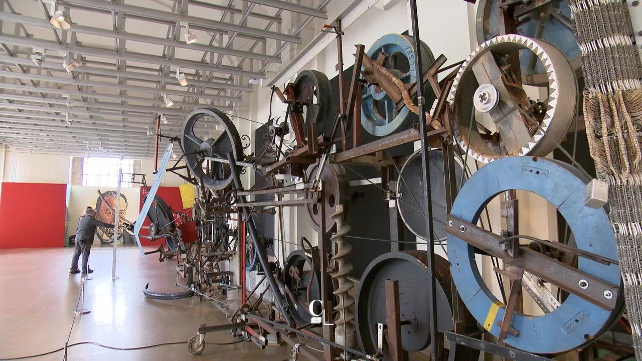 GE: une machine monumentale de Jean Tinguely fait le bonheur des visiteurs du Musée d'art et d'histoire [RTS]