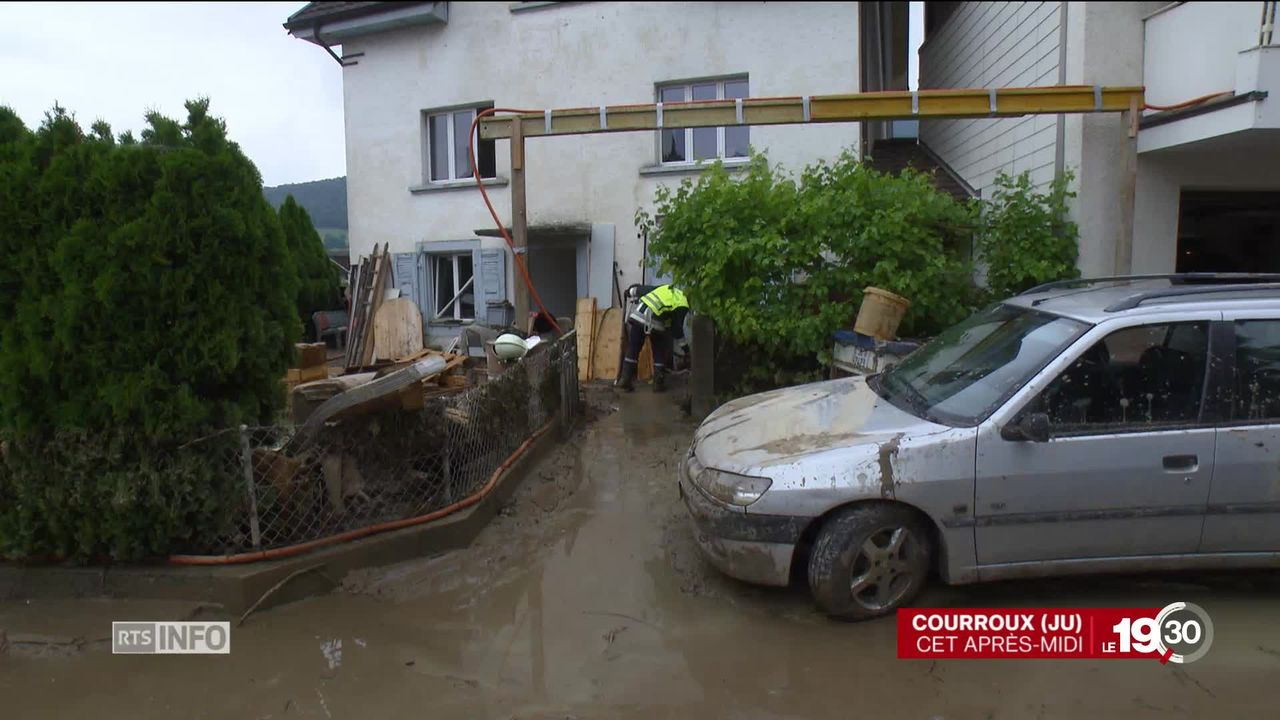 Jura: pluies torrentielles dans plusieurs communes, dont Courroux. Le débit de la Scheulte a très vite été multiplié par 25 [RTS]
