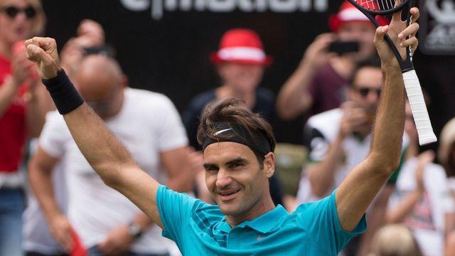Roger Federer a retrouvé sa place de numéro un mondial après avoir battu Milos Raonic en finale de Stuttgart. [Marijan Murat - Keystone]