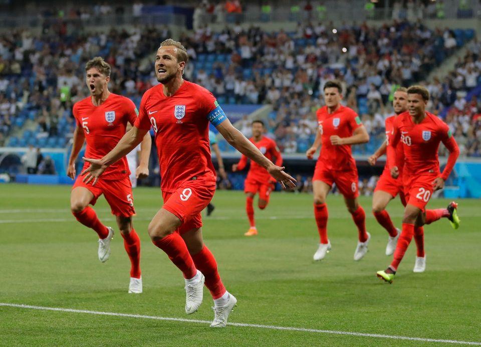 Harry Kane, le plus prompt à réagir, vient d'ouvrir le score face à la Tunisie. [Sergei Grits - Keystone]