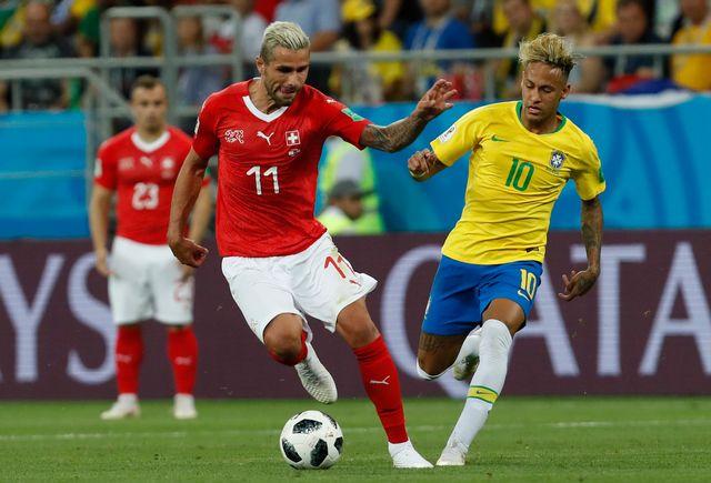 Valon Behrami s'est montré particulièrement efficace face à Neymar. [AP Photo/Darko Vojinovic - Keystone]