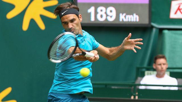 Federer a dû se retrousser les manches contre Paire. [Friso Gentsch - Keystone]
