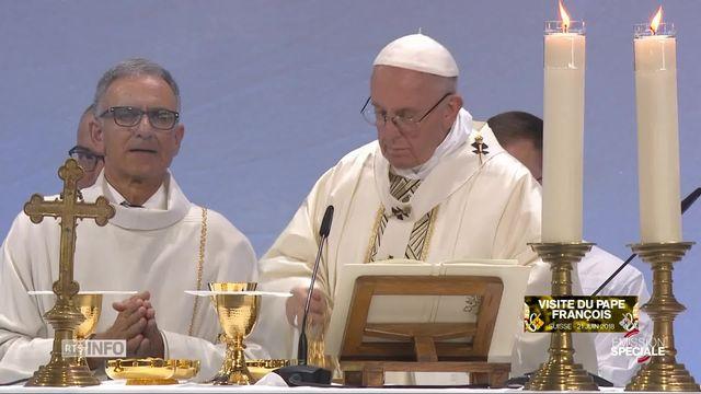 L'intégrale de la messe du pape François à Palexpo [RTS]
