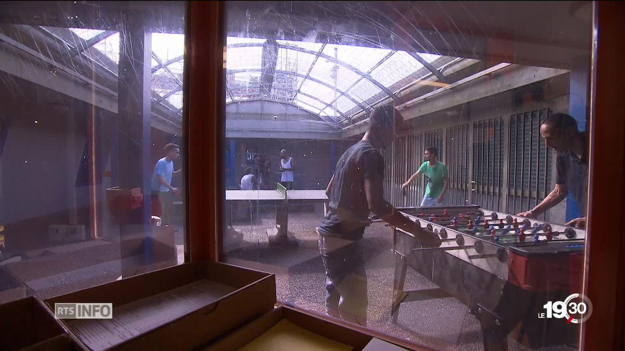 Migrants en Suisse: des mineurs de moins de 15 ans sont placés en détention administrative avec leurs parents [RTS]