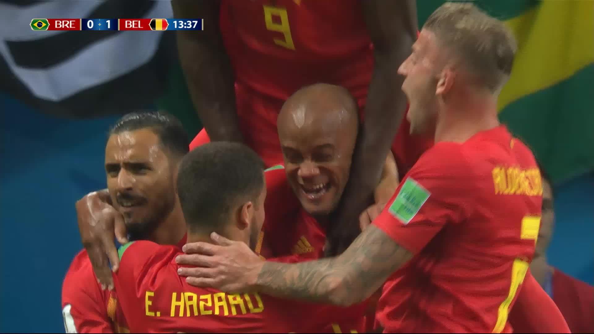 1-4 Brésil- Belgique: 13e but contre son camp de Fernandinho