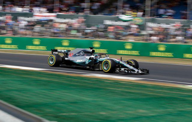 Hamilton a décroché chez lui la 76e pole de sa carrière. [Luca Bruno - Keystone]