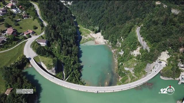 Le lac de Gruyère a été créé il y a 70 ans pour répondre au besoin d'électricité de la région [RTS]