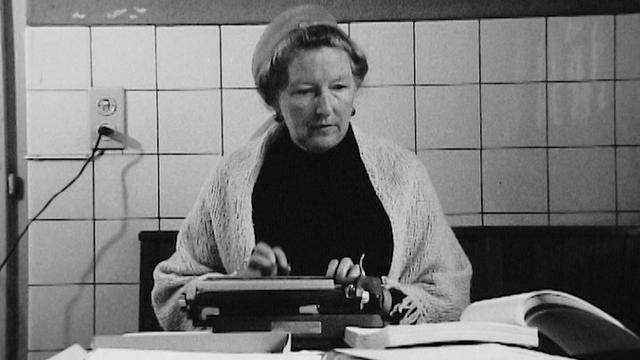 L'écrivaine Corinna Bille en 1973. [L'écrivaine Corinna Bille en 1973. - RTS]