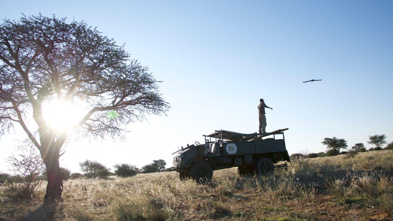L'équipe de recherche soutenue par le FNS teste leur nouvelle méthode sur le terrain en Namibie. [FNS]