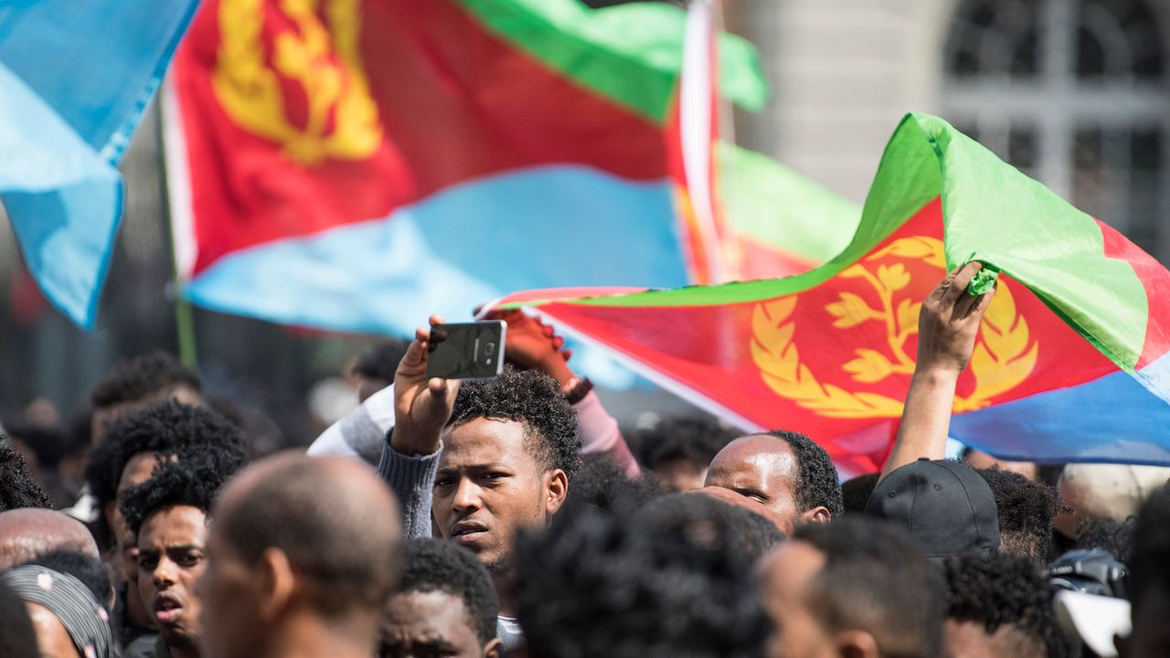 Environ 1500 Erythréens avaient manifesté le 18.05.2018 à Berne contre le durcissement de la politique d'asile. [Peter Schneider - Keystone]