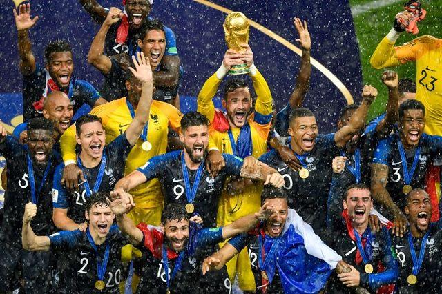 Vingt ans après, les Bleus sont à nouveau sur le toit du monde. [Alexander Nemenov - AFP]