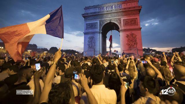 Les Bleus champions du monde: Une soirée de délire qui a fait vibrer l'hexagone et le tout Paris. [RTS]