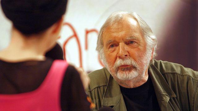 Jacques Chessex au Salon du Livre de Genève en 2004. [RTS]
