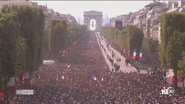 La France vit un grand moment de joie collective avec le retour des joueurs victorieux [RTS]