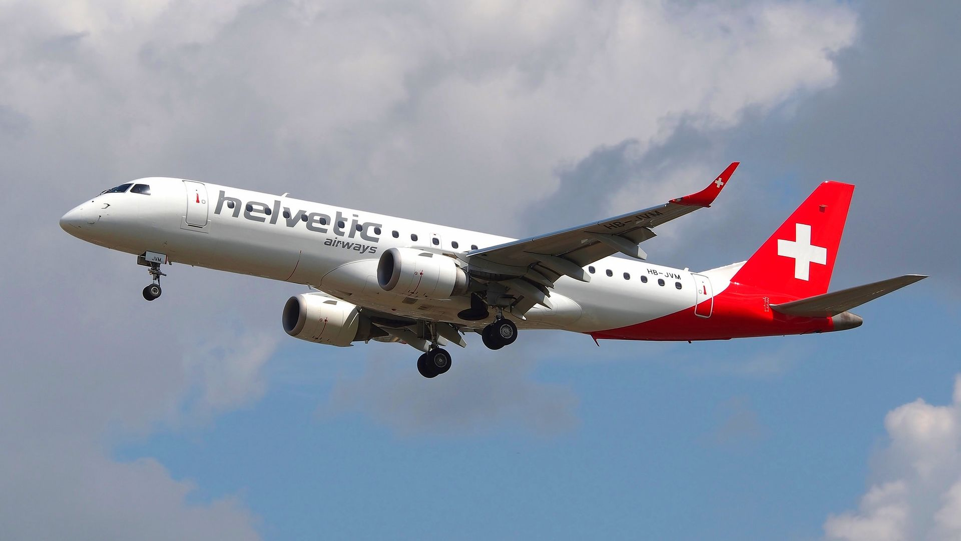 Un Embraer 190 de la compagnie aérienne Helvetic airways.