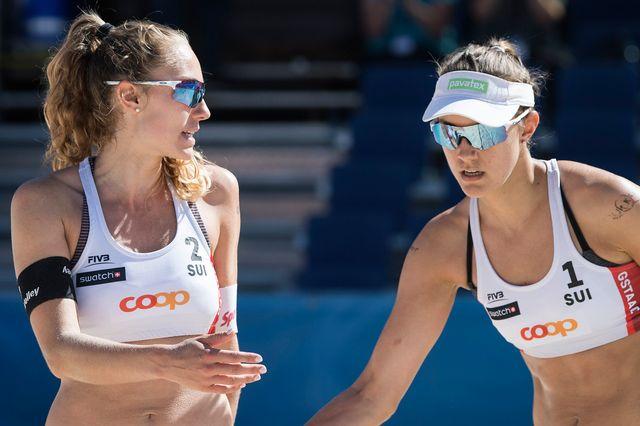 Médaille d'argent pour les Suissesses Nina Betschart et Tanja Hueberli. [Peter Schneider]
