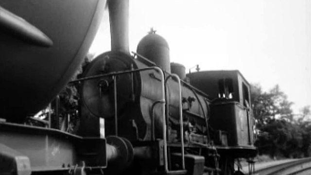 La locomotive à vapeur cède sa place de travail à la machine au diesel.
